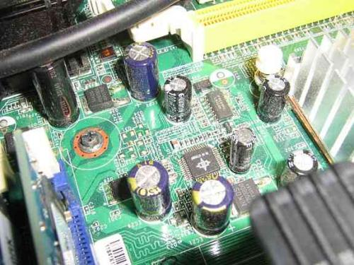 motherboard_pictures_002.jpg