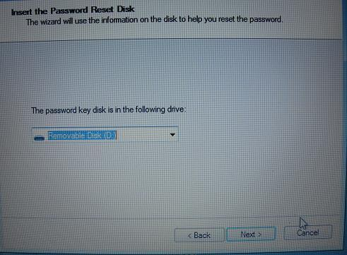 OTL_reboot_reset_password_insert_password_reset_disk.jpg